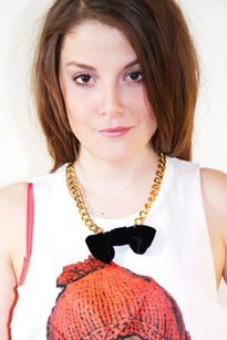 Nikki bow necklace