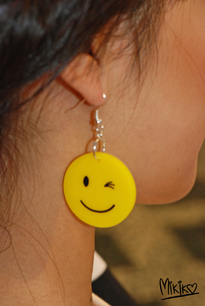 MIKIKO Smiley earrings